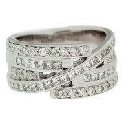 round-and-princess-cut-diamond-ring-front