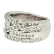 round-and-princess-cut-diamond-ring-right-side